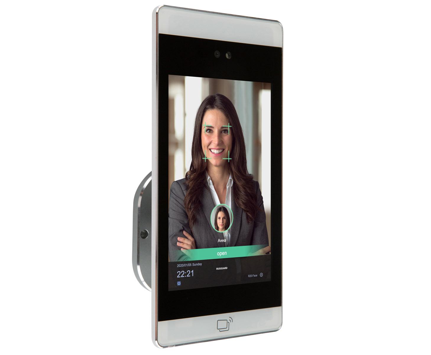 Терминал распознавания лиц R20-Face (8W) SEСтильный металлический терминал с большим экраном (8″). Отличие версии SE (Special Edition) от стандартной версии – кастомизированная прошивка терминала, расширяющая возможности устройства. Прошивка создается разработчиками RusGuard индивидуально для каждого заказчика.